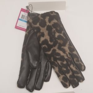 Vince Camuto womans animal gloves size L/XL NWT